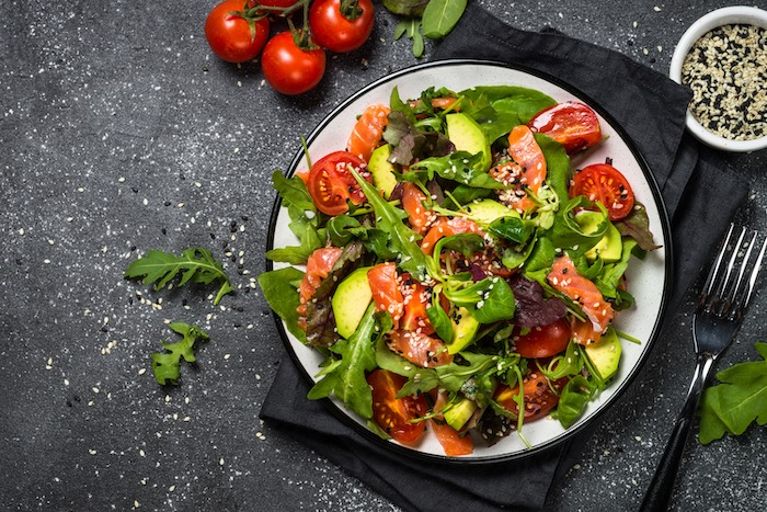 SMOKED SALMON SALAD WITH A RED WINE VINAIGRETTE